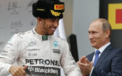 Формула-1 в Сочи: горячие финны сцепились на глазах Путина