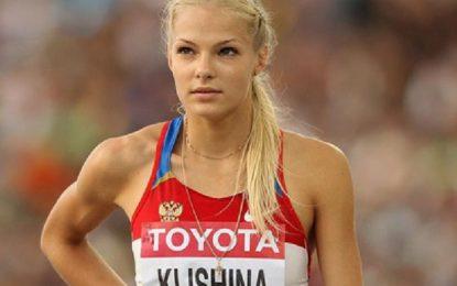 Легкоатлетка Дарья Клишина в откровенном купальнике сразила фанатов наповал